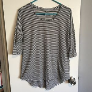 American Eagle Black and White Striped Jegging T.